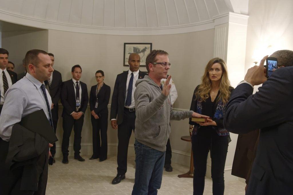 Le Designated Survivor Thomas Kirkman (Kiefer Sutherland) prête serment pour devenir Président des Etats-Unis